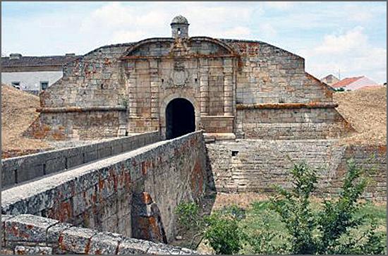 Há 252 anos os espanhóis devolveram a Portugal a praça de Almeida que tinham ocupado