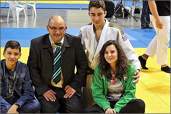 Secção de Judo do SCS aproveitou as férias para competir