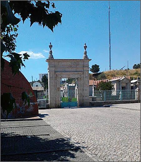 Há 100 anos a capela do cemitério da Guarda foi retirada ao culto