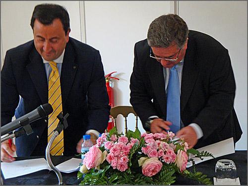 O Presidente da Câmara de Comércio de Paris e o Presidente da Câmara do Sabugal assinam protocolo