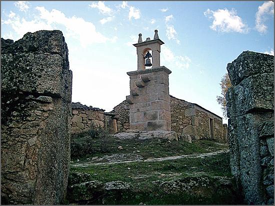 O Campanário foi construido pelo povo