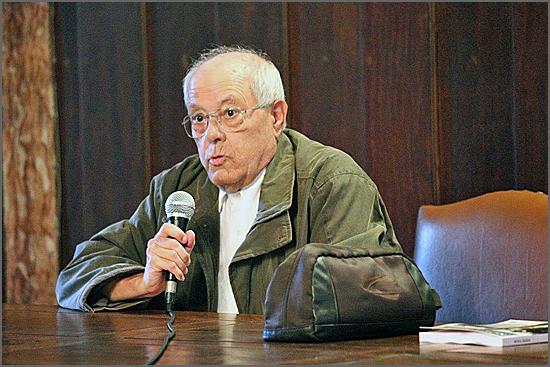 O filósofo Pinharanda Gomes nasceu há 76 anos em Quadrazais