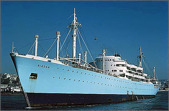 O paquete Niassa chegou ao Tejo para servir na Marinha Mercante há 65 anos