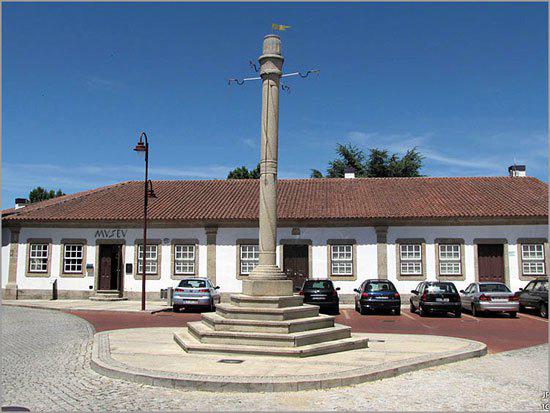 Há 156 anos ficou construído o edifício que albergou a Fazenda Pública do Sabugal (foto actual)