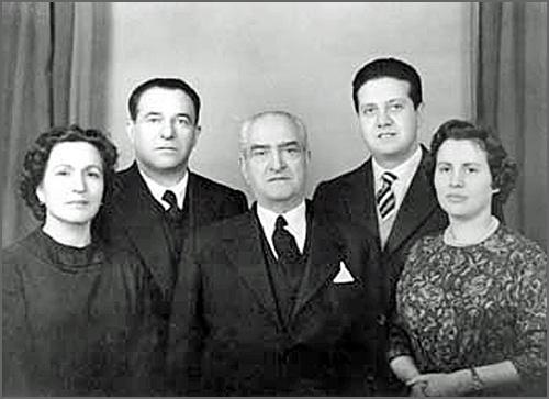 João Lopes Soares foi governador civil da Guarda há 103 anos (na foto ao centro com a família)