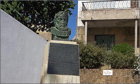 O busto de Camões em Malcata