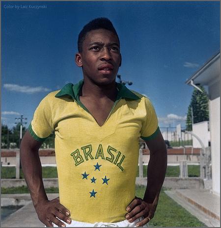 Edison Arantes do Nascimento (Pelé) nasceu há 75 anos