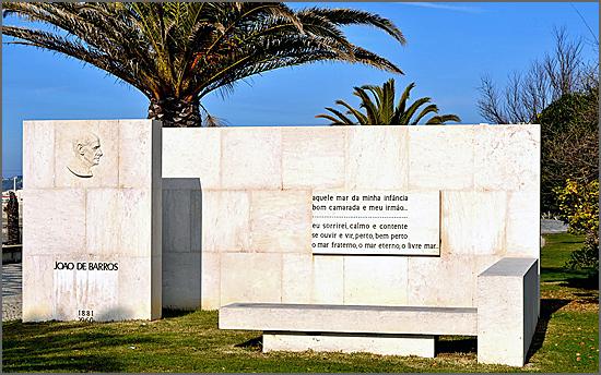 João de Barros morreu há 55 anos (monumento na Figueira da Foz)