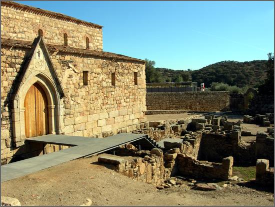 Há 787 anos faleceu D. Martinho Pais, 1º bispo da Guarda (foto: ruínas da sé da Egitânia)