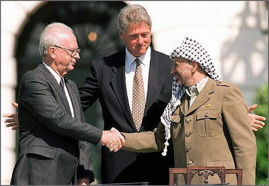 Itzak Rabin foi assassinado há 20 anos (na foto o aperto de mão a Arafat em Oslo)