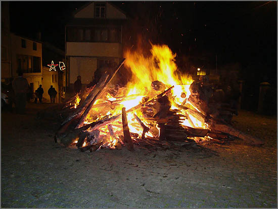 Natal rural – fogueira na rua