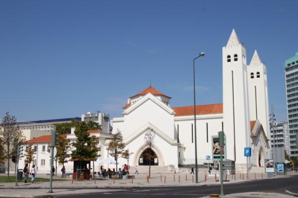 Igreja de São João de Deus na Praça de Londres em Lisboa - capeiaarraiana.pt