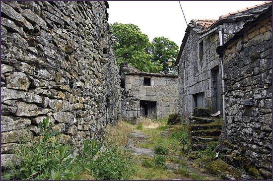 Aldeia da Beira Alta - pobreza e abandono nas terras do Interior - capeiaarraiana.pt