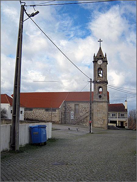 Vi a torre sineira da tua Igreja