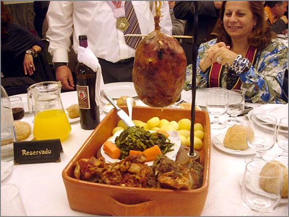 Gastronomia portuguesa - Bucho Raiano - capeiaarraiana.pt