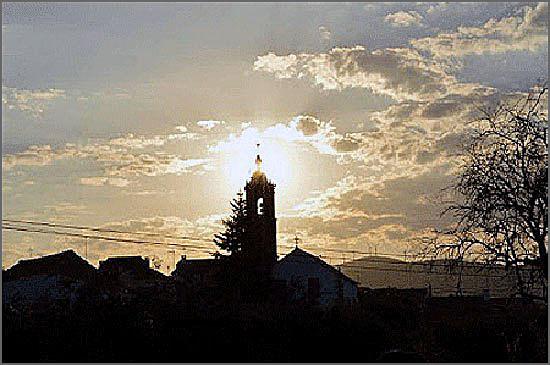 A Igreja Matriz do Casteleiro é imponente
