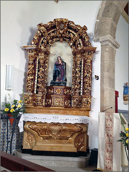 Altar de Nª Senhora das Dores na Igreja Matriz do Casteleiro