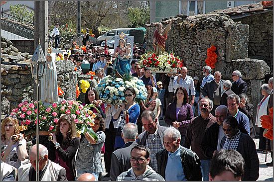 Procissão da festa de São Marcos no Carvalhal do Côa