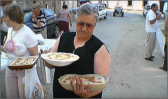 Doçarias nas festas são tradição no Casteleiro