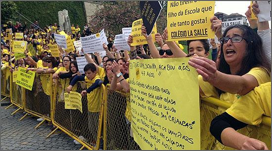 O aproveitamento de crianças nas manifestações é um abuso