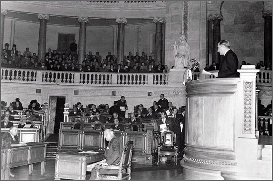 A Assembleia Nacional homenageou Salazar