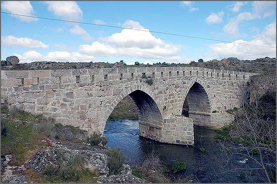 Ponte sobre a Ribeira de Aguiar em F.C. Rodrigo
