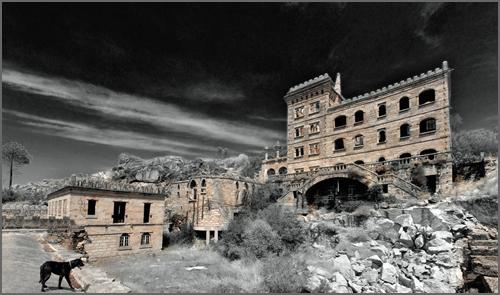 Edifício das Águas Rádium no Casteleiro