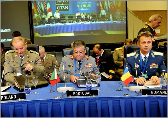 General Pina Monteiro na reunião da NATO em Vilinius na Lituânia - Personalidade do Ano 2016 - Capeia Arraiana