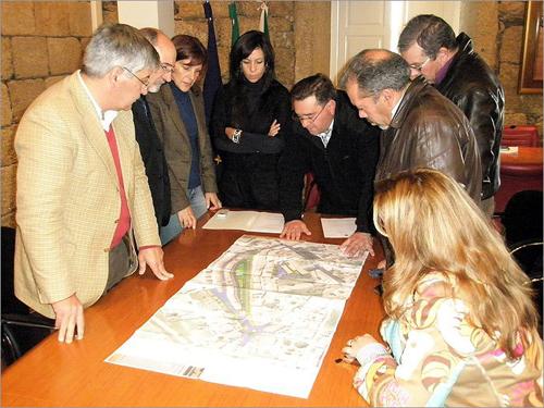 António Robalo a apresentar o projecto Veneza da Raia aos vereadores