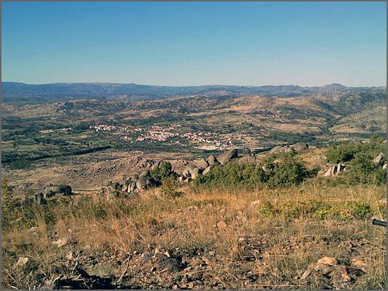 Casteleiro visto do alto da Serra d'Opa