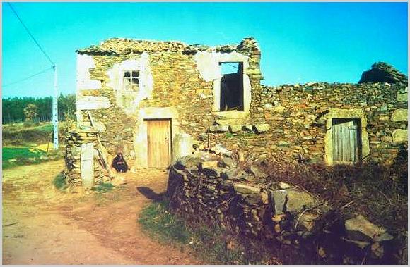 A velhinha da casa velha... - capeiaarraiana.pt