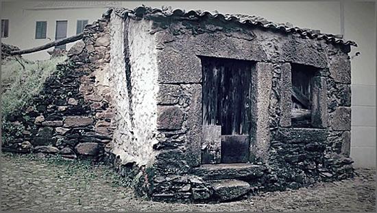 Casa velha em Quadrazais