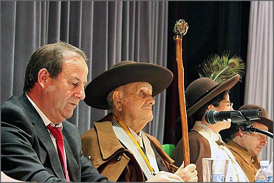 Manuel Leal Freire ao lado do autarca de Oliveira do Hospital, José Carlos Alexandrino