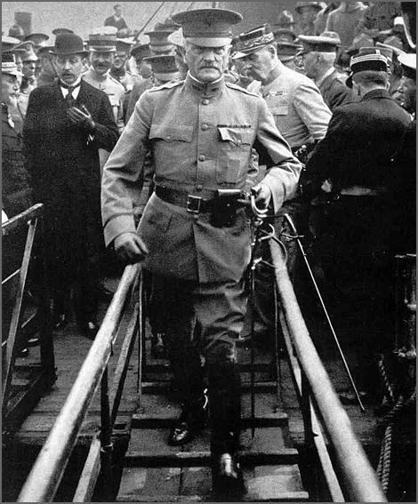 O general John Pershing comandou o contingente americano destacado para França na I Guerra Mundial