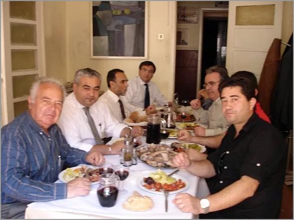 6 de Maio de 2009 - os fundadores da Confraria do Bucho, assinada a escritura, almoçam na Casa do Concelho