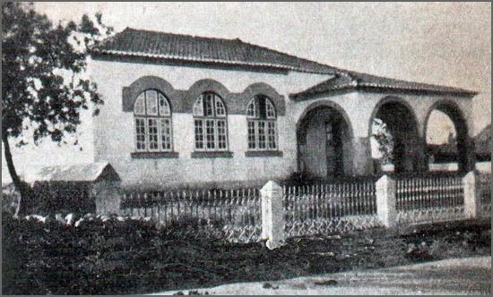 Antiga escola primária de Vale de Lobo