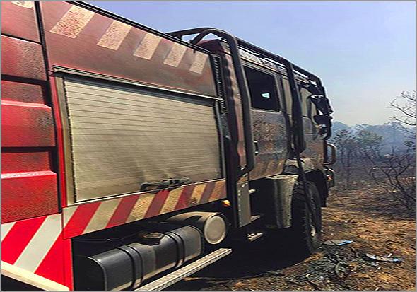 Viatura dos Bombeiros Voluntários do Sabugal que ardeu no incêndio do Rochoso - Capeia Arraiana