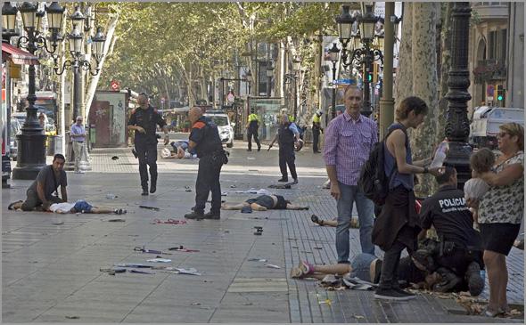 Atentado terrorista nas Ramblas, em Barcelona, em Agosto de 2017 - António Emídio - Capeia Arraiana