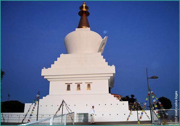 O maior Templo Budista da Europa está em Benalmádena - José Carlos Lages - Capeia Arraiana