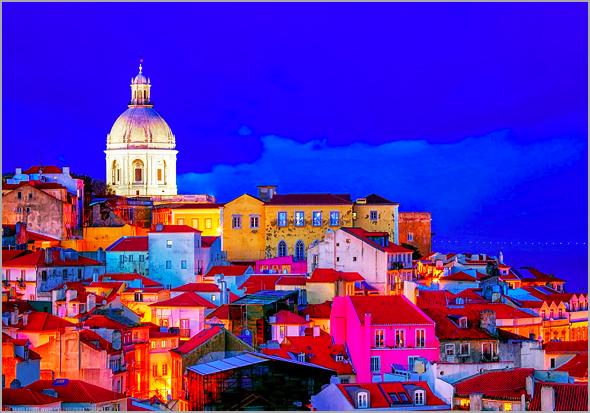 Bairro de Alfama em Lisboa à noite - José Carlos Lages - Capeia Arraiana