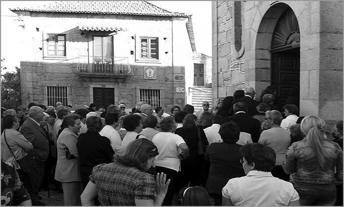 Visita do Bispo à aldeia - Capeia Arraiana