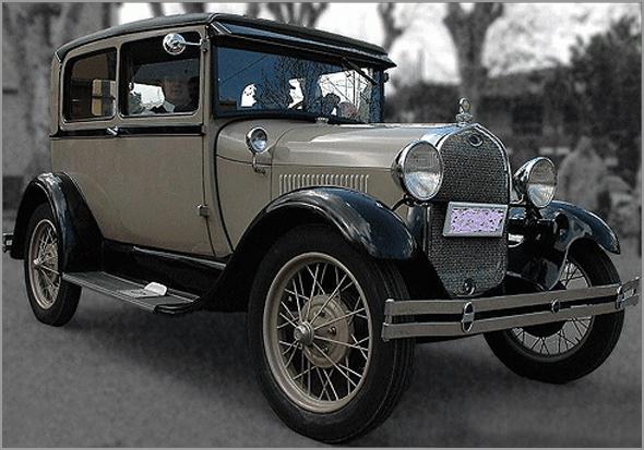 Automóvel dos anos 30 - Capeia Arraiana