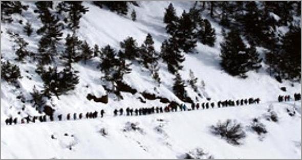 Emigrantes ilegais nos Alpes - Capeia Arraiana