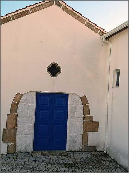 Portada inacabada na antiga capela da ermida de Nossa Senhora da Graça
