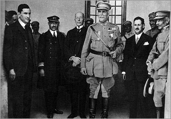 Oliveira Salazar com o General Carmona - Capeia Arraiana