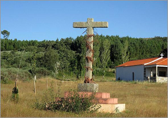Cruzeiro do arraial da capela do Espírito Santo - Capeia Arraiana