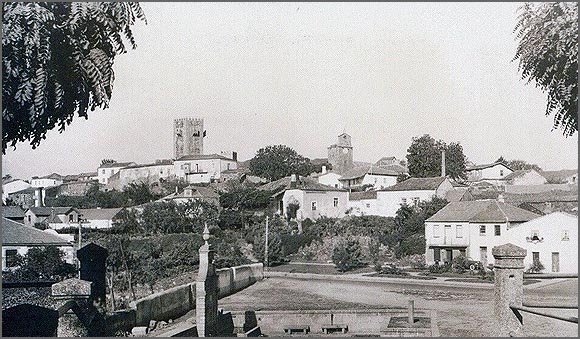 Sabugal - vista parcial do Largo da Fonte em 1967