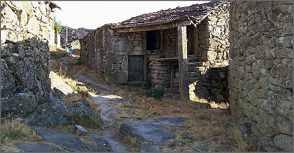 Muitas aldeias são santuários dinâmicos ainda que minguados de gente
