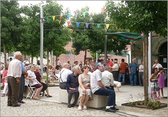 Festa no largo do Casteleiro - Capeia Arraiana