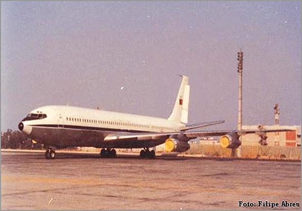 Boeing 707-300 da Força Aérea Portuguesa que fazia o transporte das tropas entre o continente e as colónias